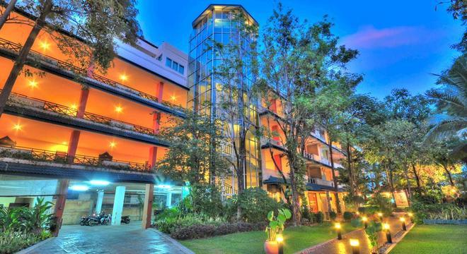 Vits Gazebo Resort Pattaya - Pattaya - Building