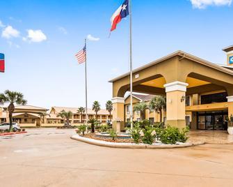 SureStay Plus Hotel by Best Western Alvin - Alvin - Gebouw