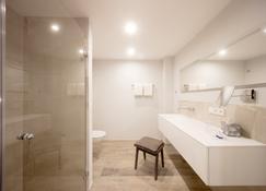 Hotel Hafen Flensburg - Flensburg - Bathroom