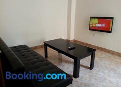Discovery Homestay - Makassar - Living room