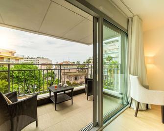 Hotel Helios - Antibes - Balcony
