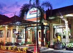 羅維納海灘酒店 - 布萊倫 - 新加拉惹 - 建築
