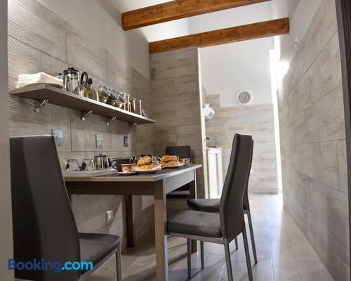 Famigi - Naples - Dining room
