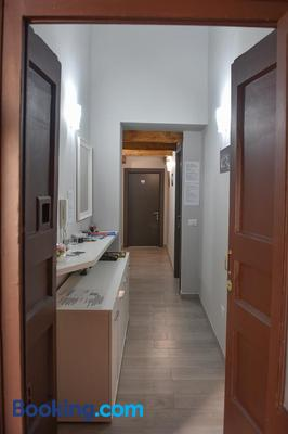Famigi - Naples - Hallway