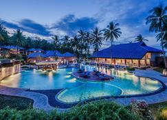 Wyndham Sundancer Resort Lombok - Sekotong Barat - Piscina