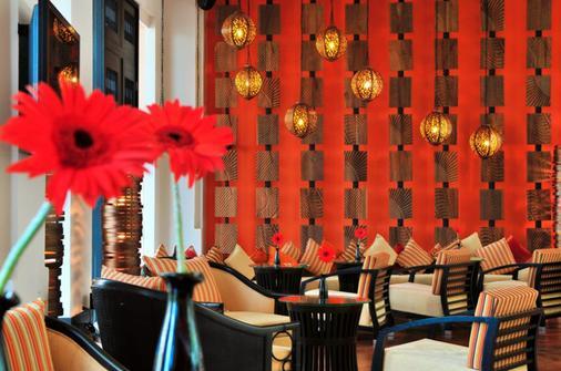 Millennium Resort Patong Phuket - Patong - Baari