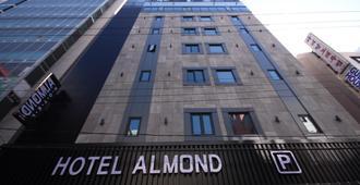 Hotel Almond Busan Station - Pusan - Bâtiment