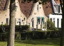 Hotelsuites Ambrosijn - Схирмонниког - Здание
