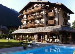Hotel L'Oustalet - Chamonix - Edifício