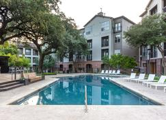 Stay Alfred At Muse - Austin - Piscina