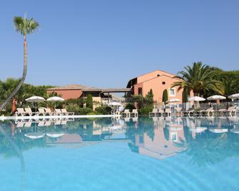 Pierre & Vacances Residence Cannes Mandelieu - Mandelieu-la-Napoule - Pool
