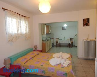 Small studio near the center of Tripoli - Tripoli - Schlafzimmer
