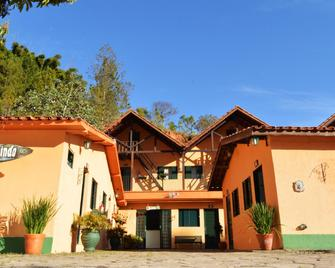 Pousada Villa Três - Serra Negra - Building