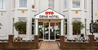 Oyo迪恩飯店 - 泰恩河畔紐卡素