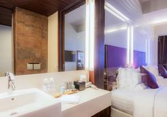 Novotel Nha Trang - Nha Trang - Bathroom