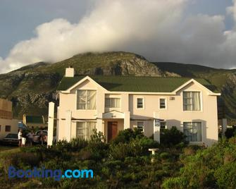 Avondsrus Guesthouse - Betty's Bay - Building