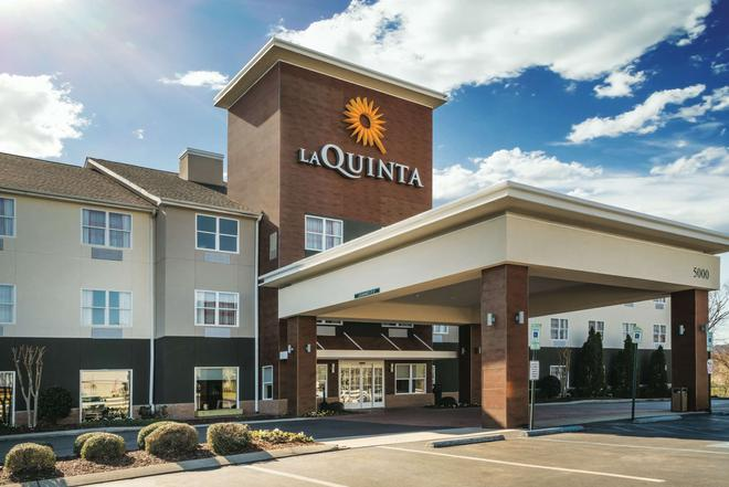 La Quinta Inn & Suites by Wyndham Chattanooga North - Hixson - Чаттануга - Здание
