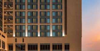 Hyatt Ahmedabad - Ahmedabad - Building
