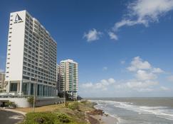Hotel Luzeiros São Luis - São Luís - Edifício