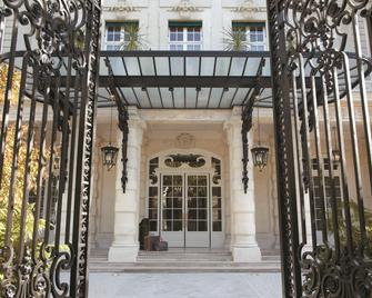 Shangri-La Hotel, Paris - Paris - Building