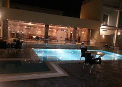Il Villaggio Luxury Villas - Jeddah - Pool