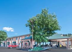 Days Inn by Wyndham Spearfish - Spearfish - Building