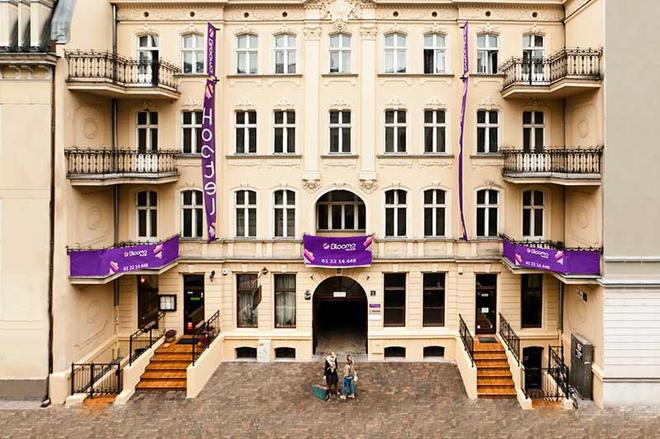 Blooms Inn & Apartments - Poznan - Building