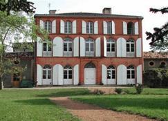 Au Château - B&B - Saint-Nicolas-de-la-Grave - Edificio