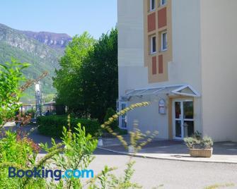 Hôtel Amys Grenoble-Voreppe - Voreppe - Edificio