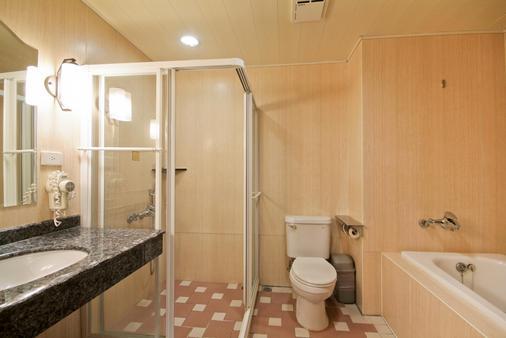 F Hotel Tainan - Tainan - Kylpyhuone