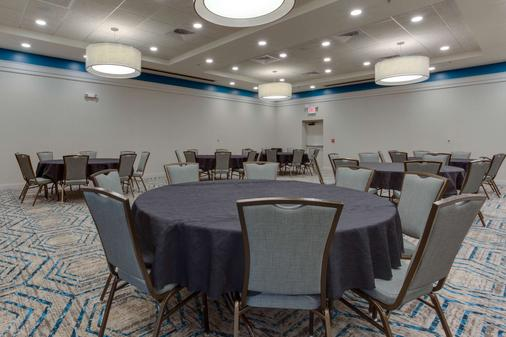 Drury Inn & Suites Gainesville - Gainesville - Banquet hall