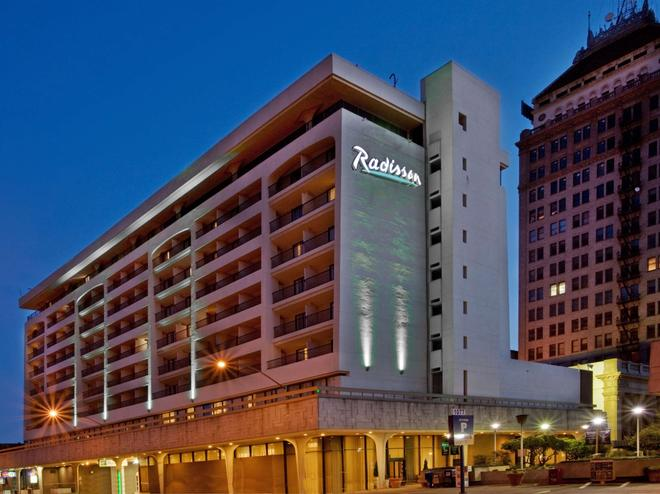 Radisson Hotel Fresno Conference Center - Φρέσνο - Κτίριο
