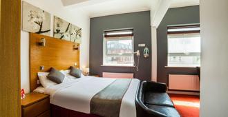 OYO Kingsley Hotel - Bournemouth - Bedroom