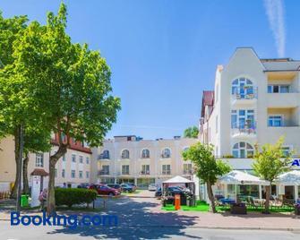 Hotel Atol - Świnoujście - Byggnad