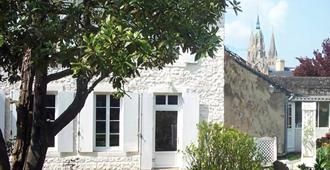 Aggarthi Bed and Breakfast - Bayeux - Vista del exterior