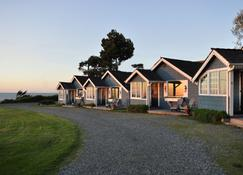 Juan De Fuca Cottages And Suites - Sequim - Building