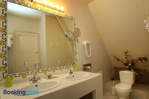 Chateau de la Verie - Challans - Bathroom