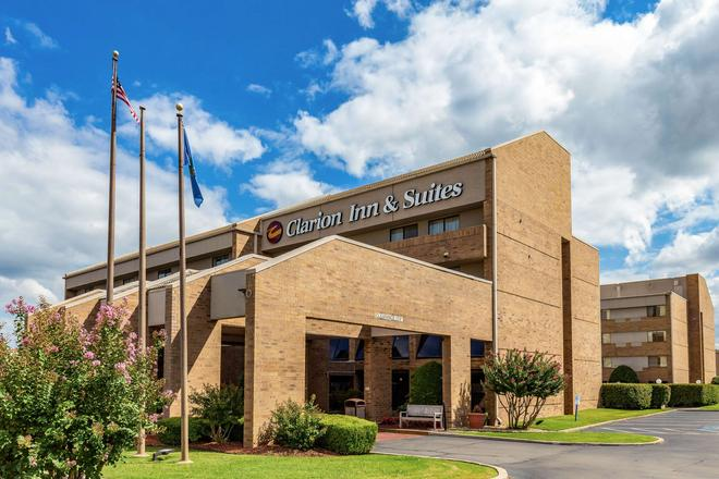 Clarion Inn and Suites Central I-44 - Tulsa - Building