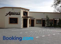 Amigos Bed & Breakfast - Mbombela - Building
