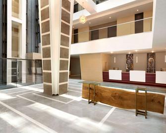 Ramada by Wyndham Constanta - Constanţa - Lobby