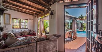 Honeypot Guesthouse - Umhlanga