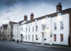Bishops Table Hotel - Farnham - Building