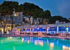 Grand Hotel Quisisana - Capri - Pileta