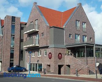 Mingers Hotel - Neuharlingersiel - Gebäude