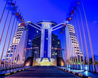 Pearl Of Africa Hotel - Kampala - Gebäude