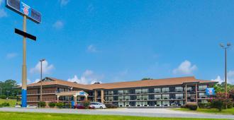 Motel 6 Macon - Ga - Macon - Building