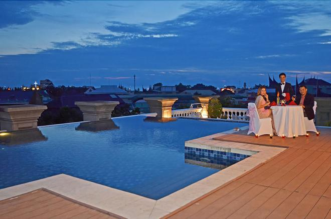 The Axana Hotel - Padang - Uima-allas