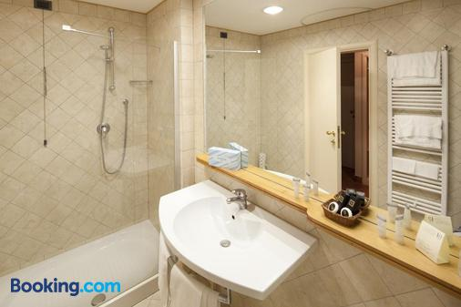 Hotel Dei Duchi - Spoleto - Bathroom