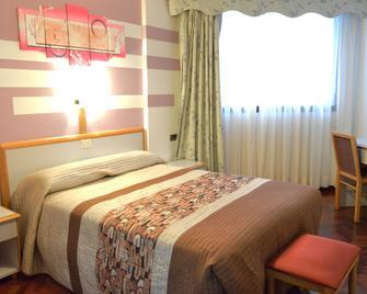Hotel Cristal - La Coruña - Bedroom