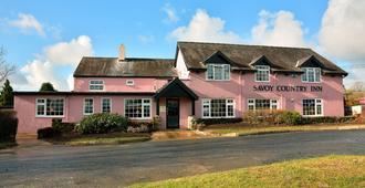 The Savoy Country Inn - Carmarthen - Edificio